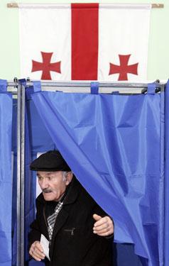 Gruzinas balsuoja prezidento rinkimuose