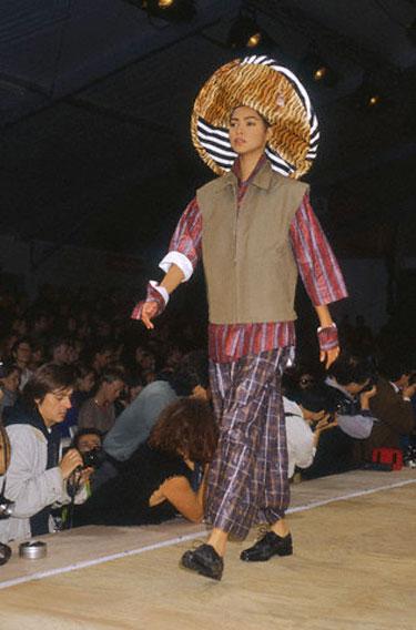 Rei Kawakubo modelis (1992 m.)