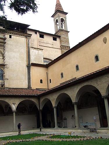Florencija. Vidinis Šv. Marko muziejaus kiemelis