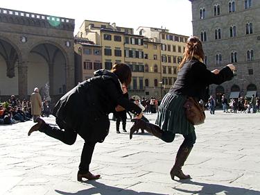 Florencija, turistai pozuoja