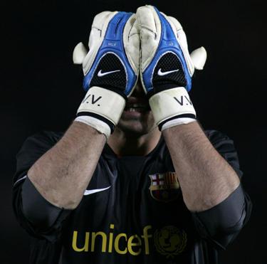 """""""Barcelona"""" vartininkas Victoras Valdesas neslėpė apmaudo"""