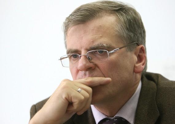 S.Kropas: didieji bankai per mėnesį peržiūrėdavo po maždaug 1000 paskolų