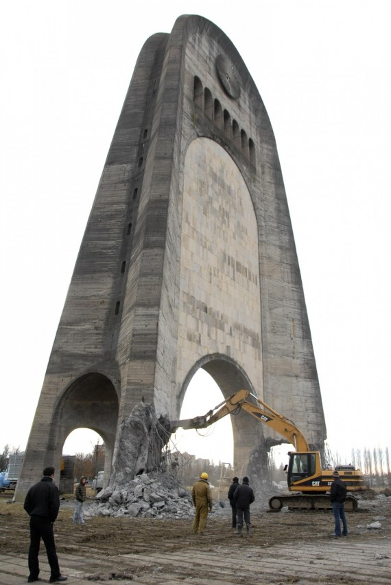 Gruzija demontuoja memorialą II pasaulinio karo aukoms