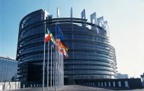 Europa saugosi nuo krizių ir ... referendumų