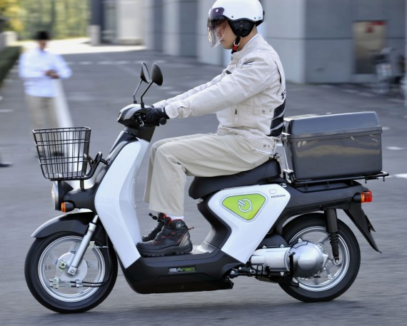 "Honda"" motoroleris su ""Toshiba"" baterijomis"