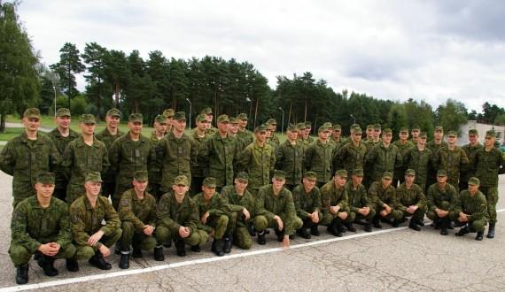 Prasidėjo būtinieji kariniai mokymai