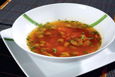 Tailandietiški patiekalai. Aštri vištienos sriuba