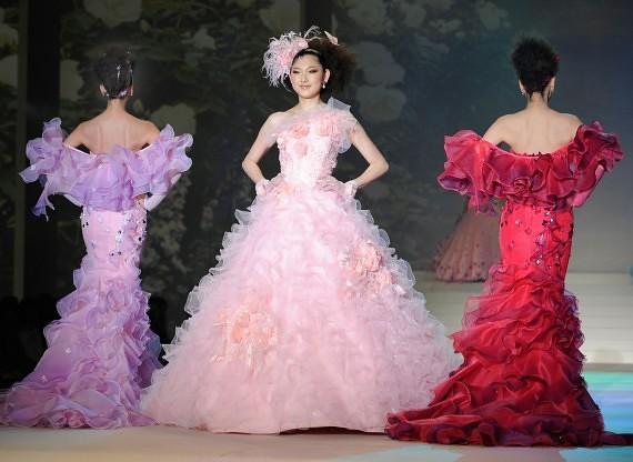 Yumi Katsura vestuvinės suknelės, 2010 m.