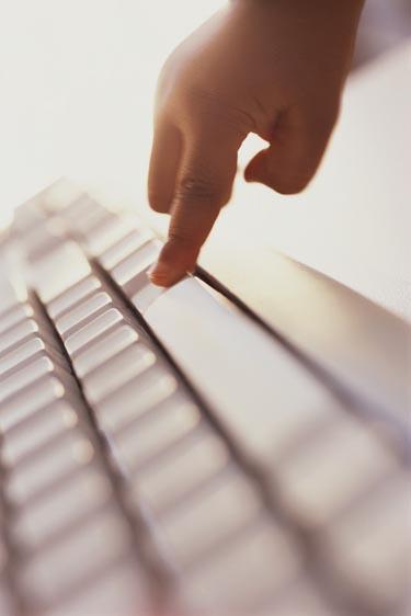 Vaikai ir internetas, kompiuteris, klaviatūra, klaviškai