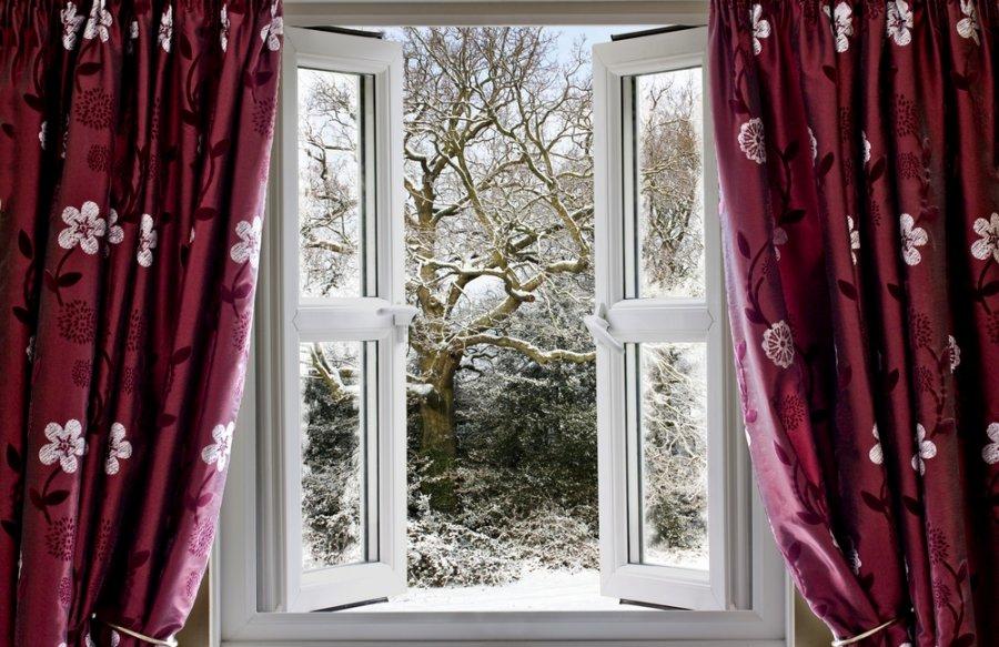 картинки красивые окна с занавесками некоторым догадкам, парень