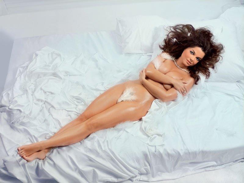 Голый лебедь Наташа Королёва в журнале Maxim (+ порно-фото из семейного арх