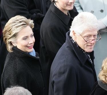 Billas Clintonas su žmona Hilary