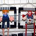 Menininkų padarytos suvenyrinės lėlės, parduodamos Vilniaus senamiestyje.