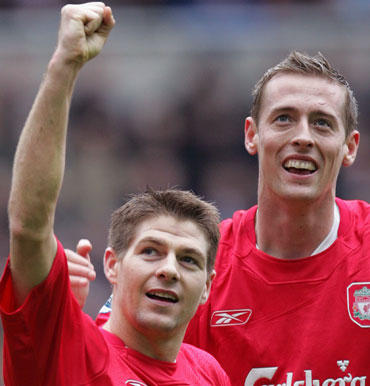 "Stevenas Gerrardas ir Peteris Crouchas (""Liverpool"")"