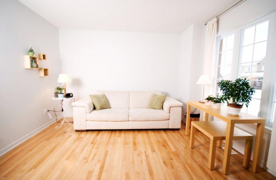 Kaip atnaujinti medines grindis for Salon de estar decoracion