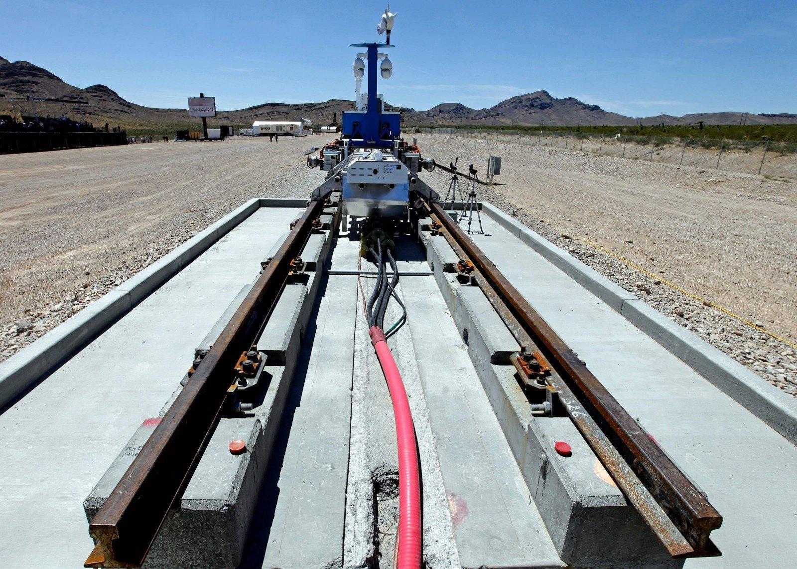 Капсула Hyperloop разогналась дорекордной скорости