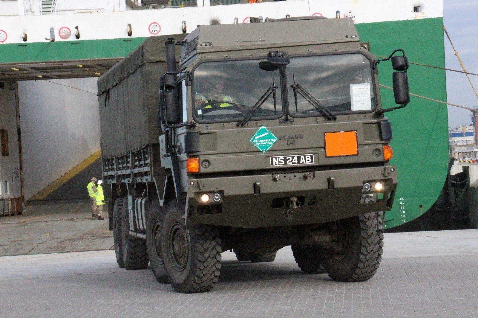Lietuvą atplukdyta NATO karinė technika