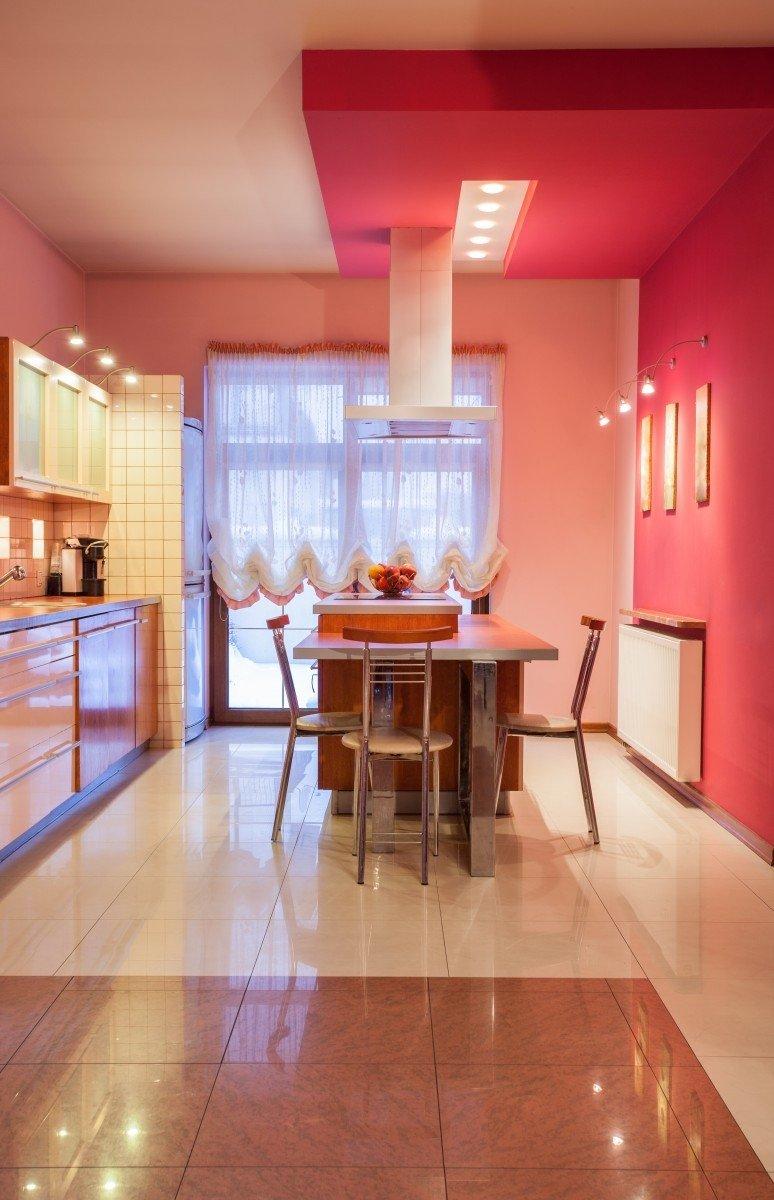 8 nuostab s spalv deriniai j s interjerui delfi gyvenimas for Cocina separada por un techo de vidrio