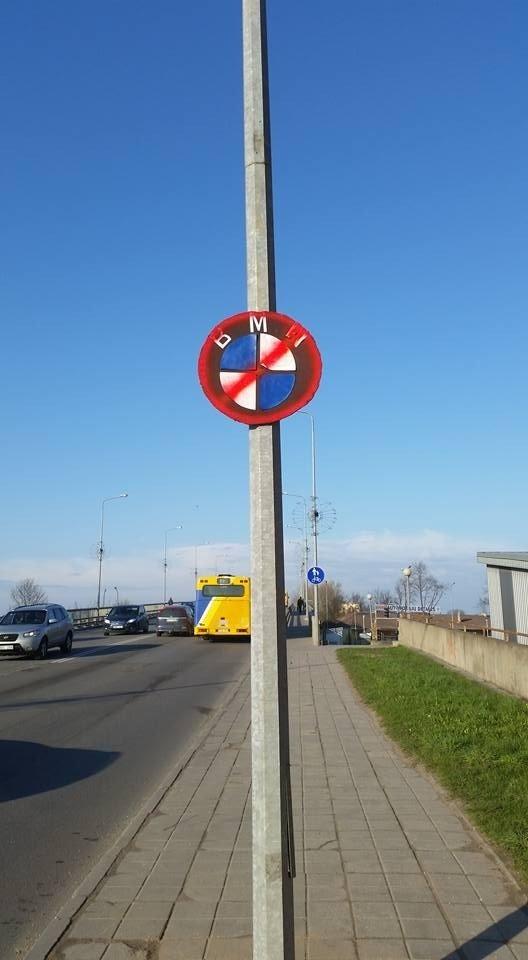 Šiauliuose netikėtai atsirado naujas <em>kelio ženklas</em>