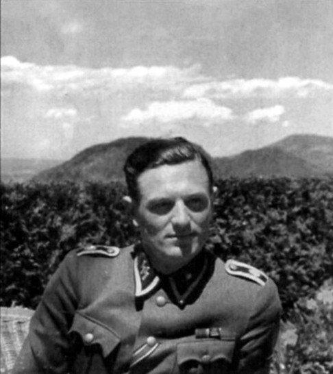 Rochusas Mischas Berghofo terasoje. 1941 m. vasara. Iš R. Mischo asmeninio archyvo.