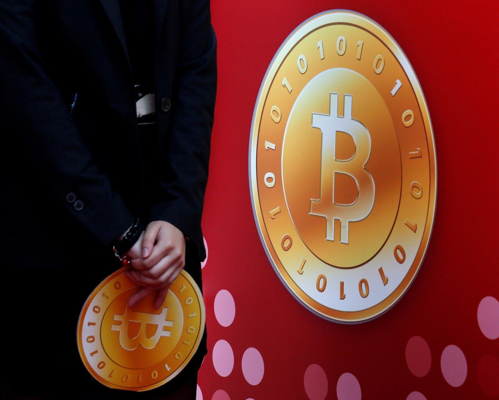 Bitkoinas savaitgalio prekyba bitkoinais Kiekviena kriptovaliuta