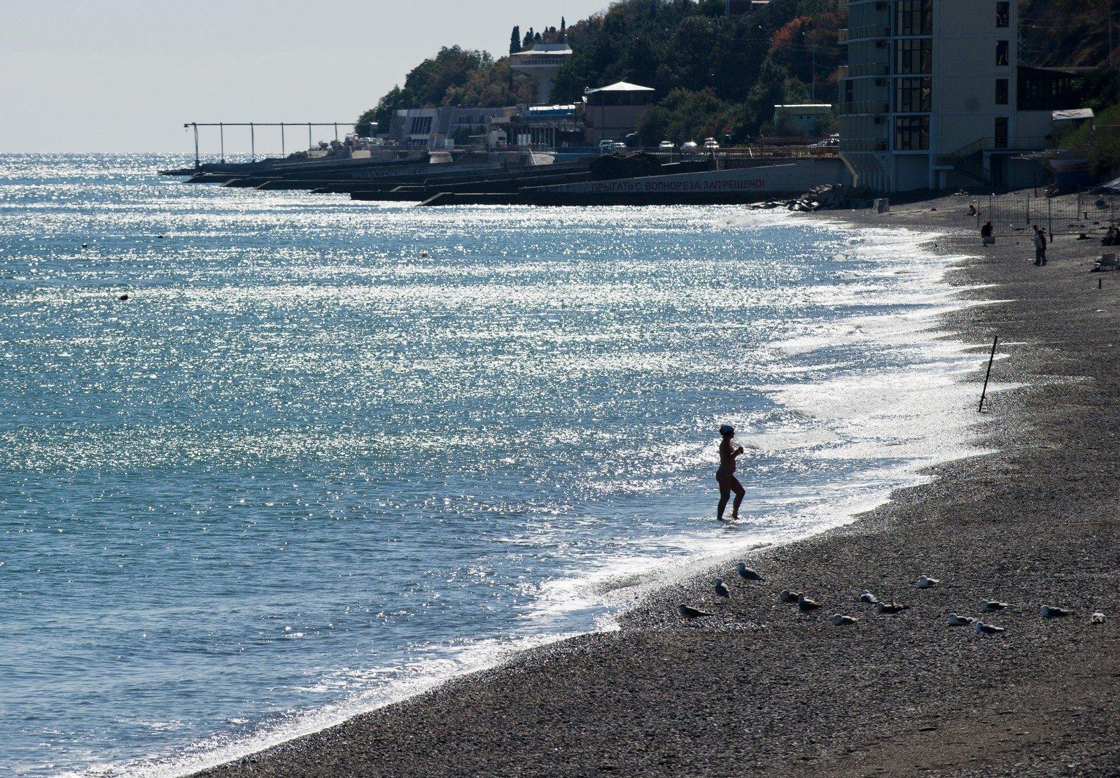 ТуроператорыРФ: Поток туристов вКрым упал практически на40%