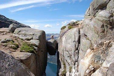 Lyse fiordas Norvegijoje. Nuo akmens iki vandens 1000 metrų. Kristinos Skirpstaitės nuotr.