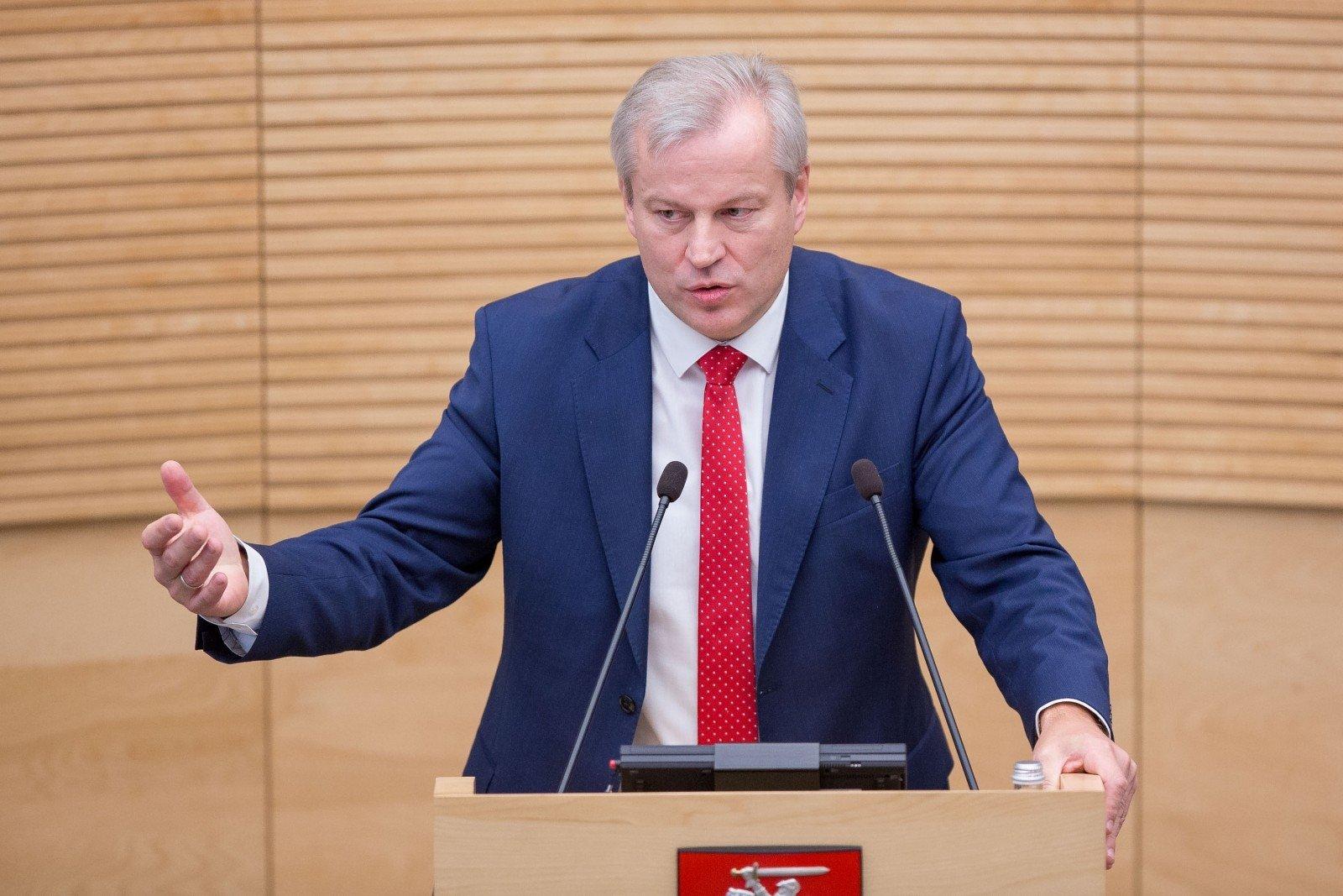 Вице-спикер парламента Литвы подал вотставку из-за знакомства сроссиянами