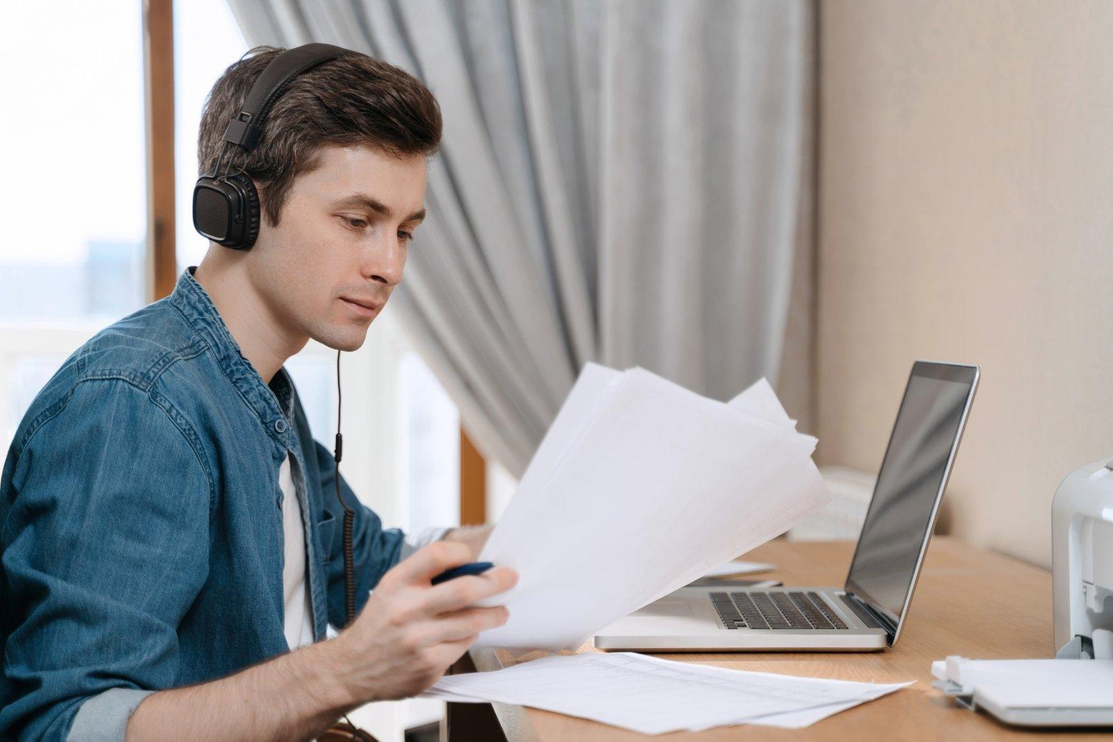 darbas iš namų darbo aplinkos)