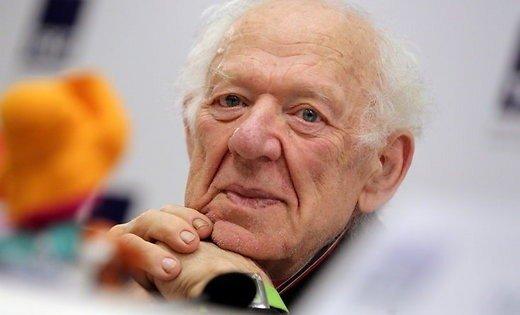 Скончался популярный клоун вклетчатой кепке Олег Попов