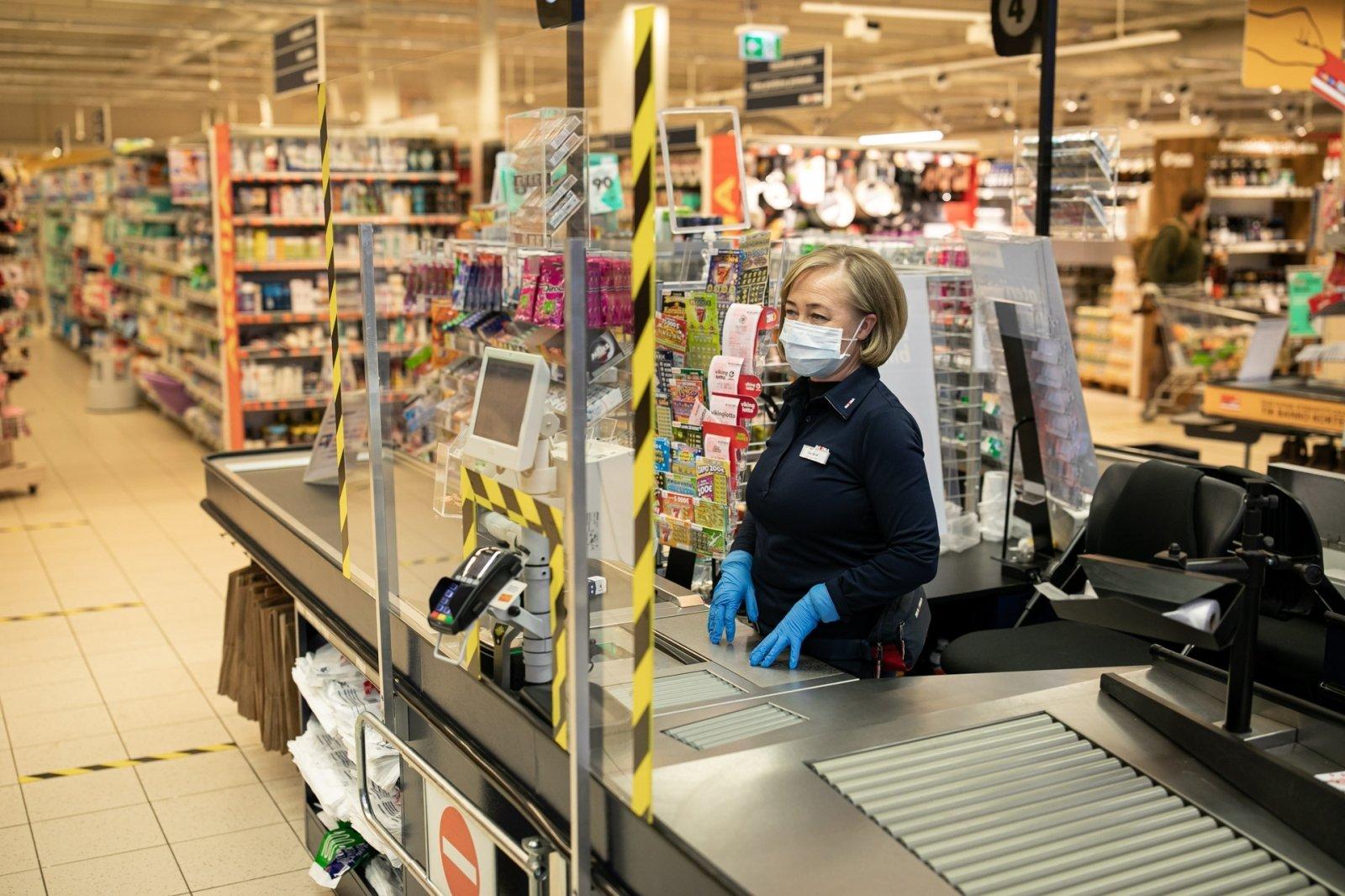 Švenčių metu keičiasi parduotuvių darbo laikas: bus dienų, kai nedirbs nė viena - DELFI Verslas