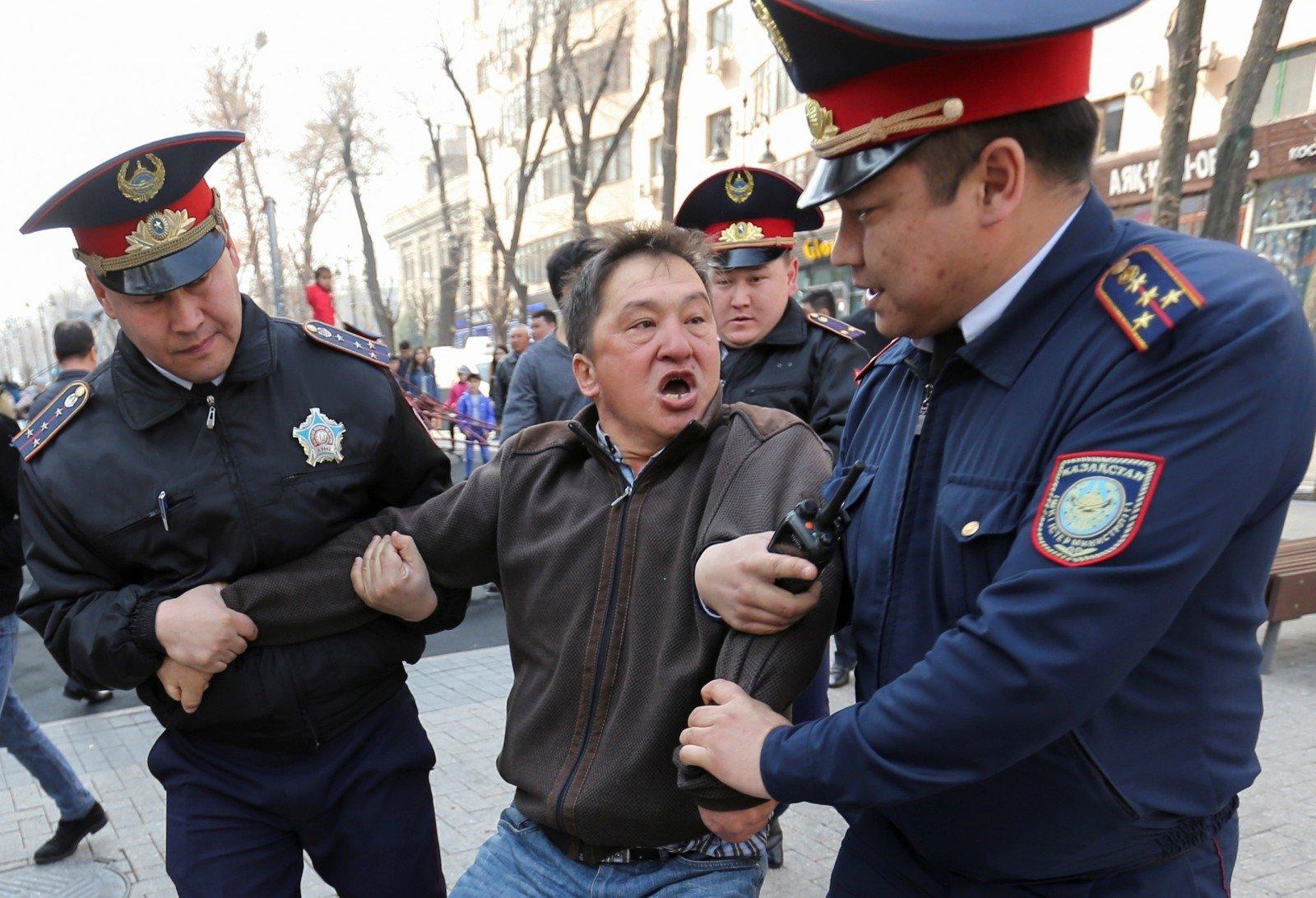 Массовый конфликт на границе Казахстана и Киргизии: 8 человек погибли, десятки пострадали