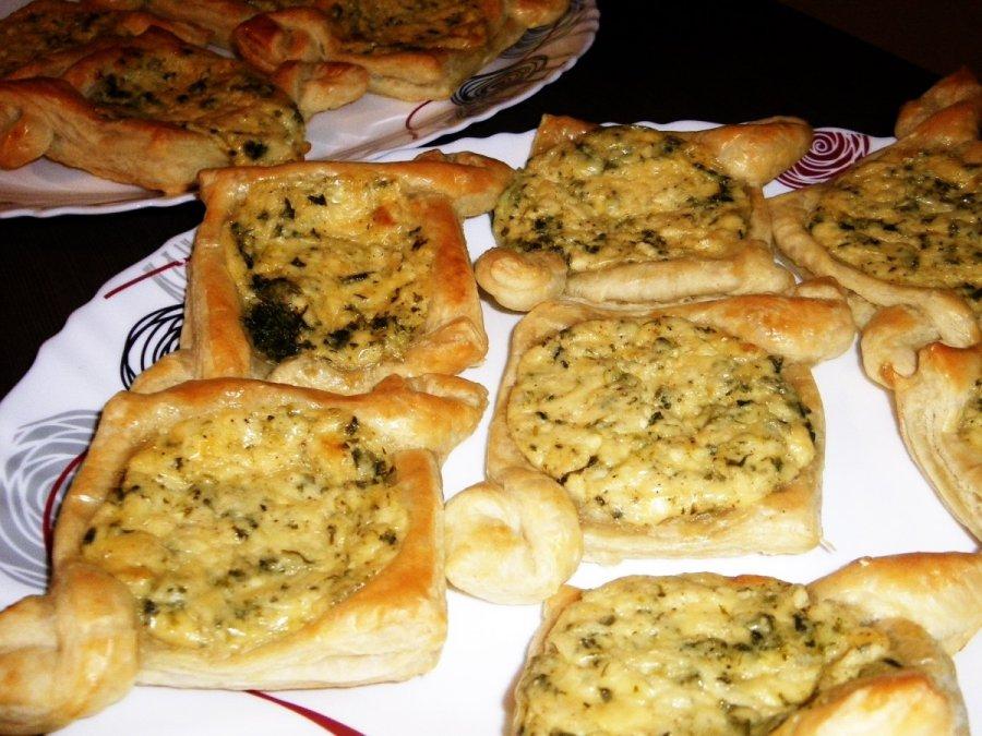 Pyragėliai Su Sūrio Pinatų Ir česnakų įdaru Delfi
