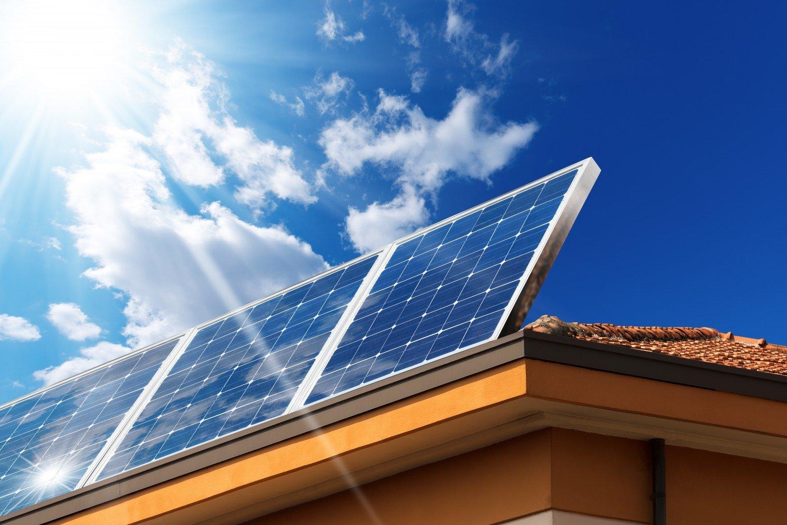 Nuo spalio pradžios permainos: naujos galimybės visiems gaminti ir vartoti žalią elektrą