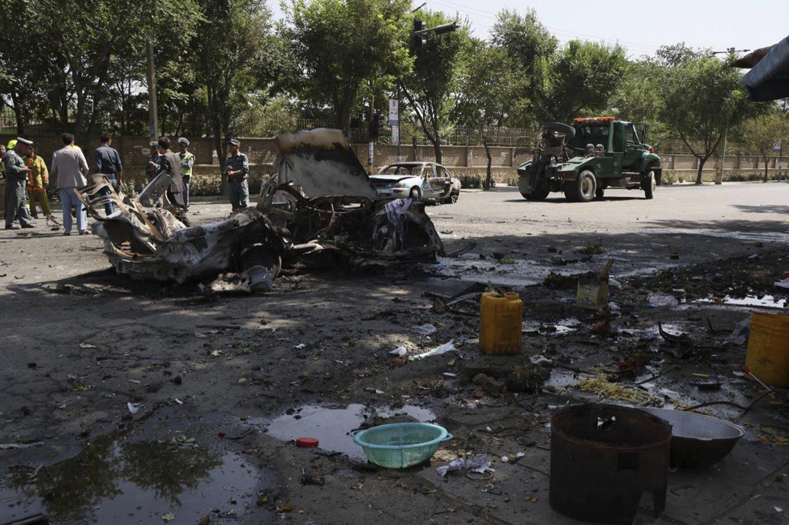 В результате взрыва возле Кабульского университета погибли четыре человека