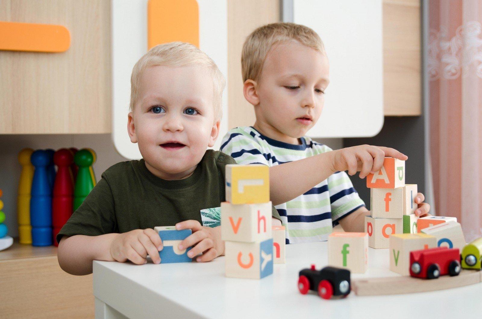 dirbti namuose su sergančiais vaikais