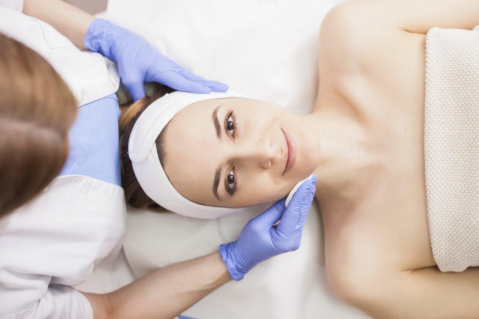 Kiek kosmetologė uždirba peržiūros namuose