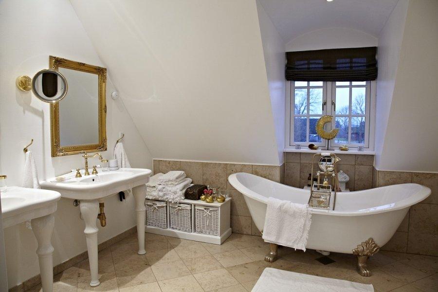 Kaip kuo ekonomi kiau suplanuoti vonios kambar - Ouderwetse badkamer ...